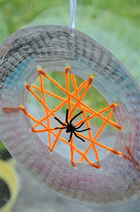 Paper Spider Craft - no wooden spoons paper plate spiderwebs kid craft