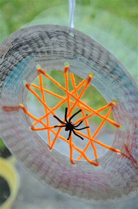 Spider Paper Plate Craft - no wooden spoons paper plate spiderwebs kid craft