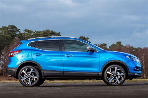 nissan qashqai 2015 colours nissan qashqai goes premium at geneva 2017 by car magazine