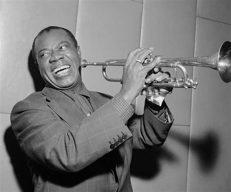 Biography Of Famous Jazz Musicians | louis armstrong biography childhood life achievements