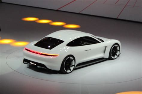 porsche mission e charging porsche mission e electric sedan concept 310 mile range