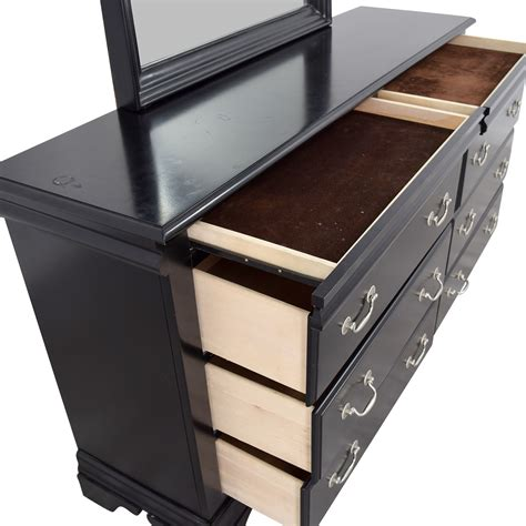 Buy Dresser 70 Bob S Furniture Bob S Furniture Black Six Drawer
