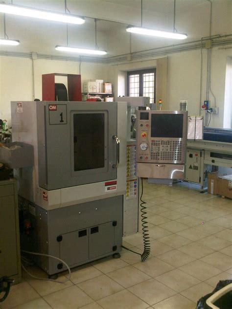 Haas Office Mill by Used Haas Office Mill Om 1 Vertical Machining Centre Exapro