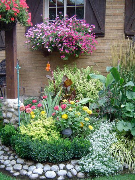 gorgeous flower bed ideas     garden