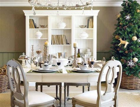 18 Christmas Dinner Table Decoration Ideas Freshome Com Dining Table Decorations