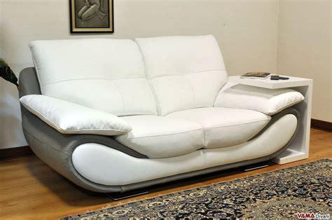 divano bianco pelle divano moderno bianco in pelle prezzo e misure
