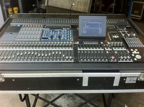 Mixer Yamaha Pm5d yamaha pm5d v2 image 705534 audiofanzine
