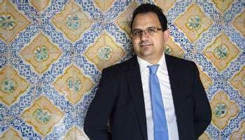 de maio ladari tunisie zied ladhari 39 ans avocat et porte parole d