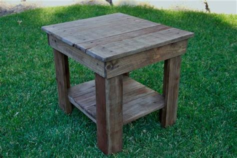 Rustic Wood End Table   101 Pallets