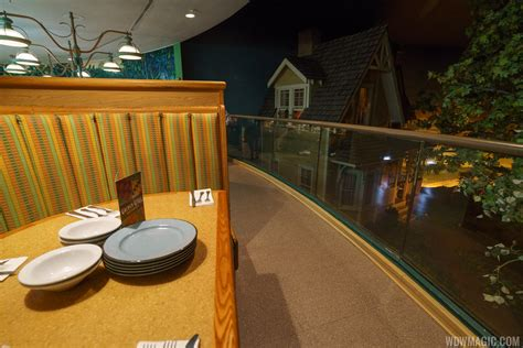 Garden Grill by Epcot S Garden Grill Restaurant Rotation Resumes At The