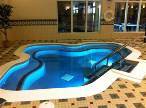 hotels with big bathtubs uk pool and hot tub picture of hton inn suites providence warwick airport warwick