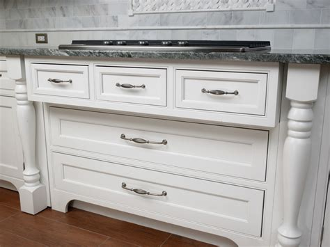 Kitchen Cabinet Pulls Pull A New Look For Your Kitchen Or Bath With Updated Cabinet Hardware