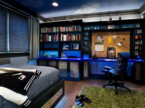 baseball bedroom wallpaper baseball themed teenage boy s room leslie lamarre hgtv