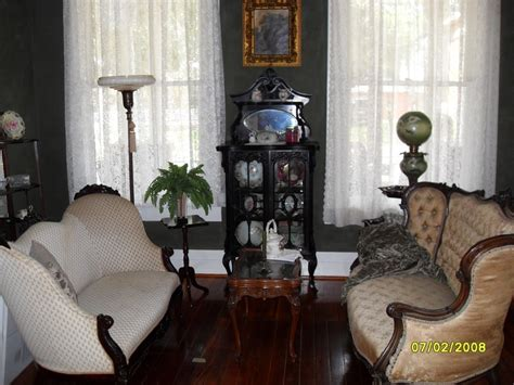how i decorate my home victorian decor hints pinterest victorian colonial