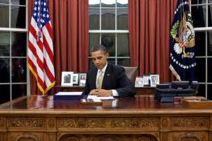 Obama On Desk by Justaphoto In The Peoples Office Random Thots