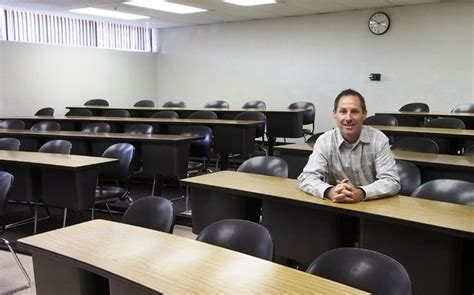 Unlv Mba Reviews by Lecturer Brings Lessons To Classroom Las Vegas
