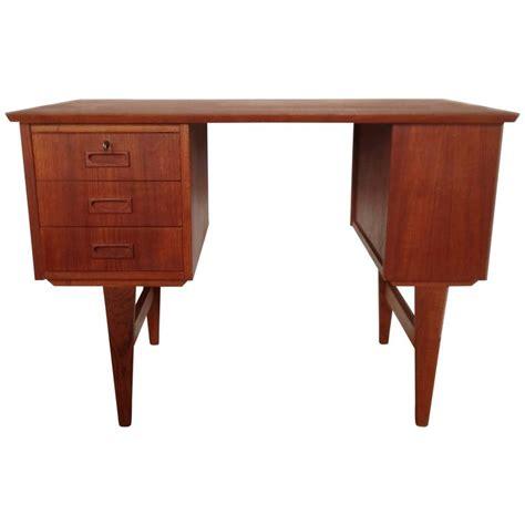 Small Teak Desk Mid Century Small Teak Desk For Sale At 1stdibs