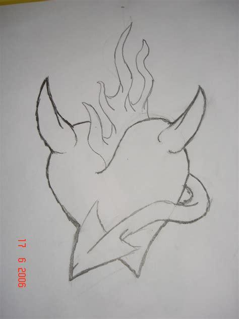 imagenes para dibujar a lapiz sombreado corazones goticos con alas para dibujar imagui