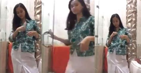 Salam Baju Batik salam baju batik bikin ulah gadis manja