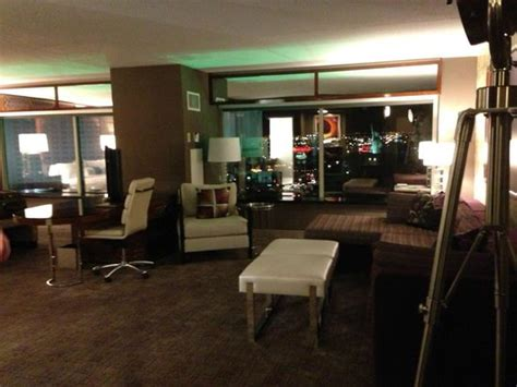 tower one bedroom suite mgm our room petite grand in the west wing picture of mgm