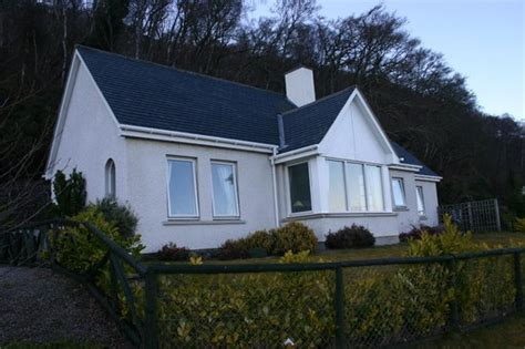 Cottages In Loch Ness by Loch Ness Cottages