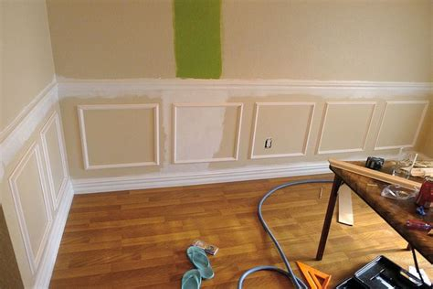 Make Your Own Wainscoting by Best 25 Chair Rail Molding Ideas On