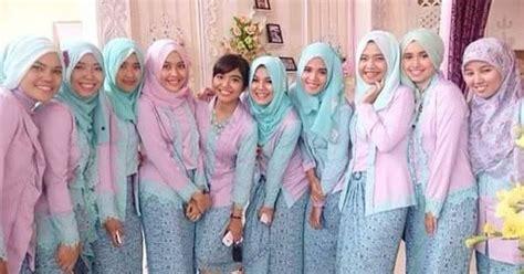 Batik Keluarga Kahyang Ayu Sarimbit Seragam Pesta Muslim foto baju muslim kebaya modern kombinasi brokat untuk pakaian seragam pernikahan