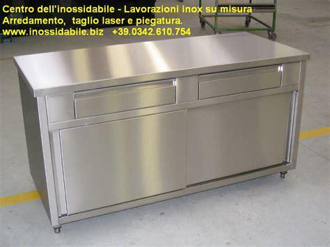 mobile in acciaio robusto mobile in acciaio inox satinato con ante