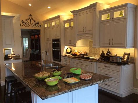 above kitchen cabinet lighting rooms
