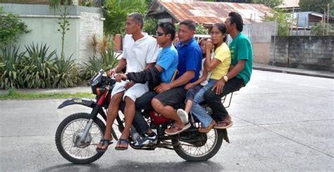 Motorrad Fahren Ab 25 by Ab 25 Dezember 1 000 Baht Strafe F 252 R Fahren Ohne Helm In