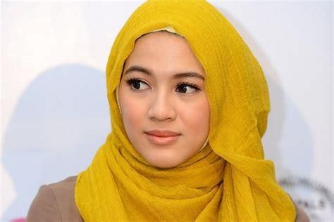 artis berhijab tercantik  fashion hijab