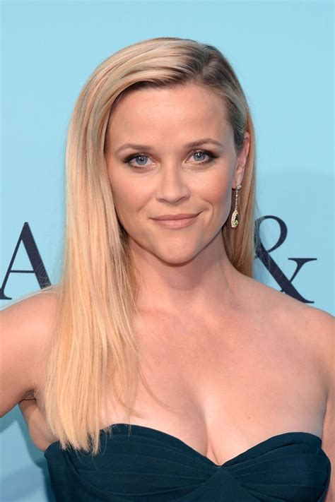Reese Witherspoon Withering Away by Reese Witherspoon Shorts Wallpaper