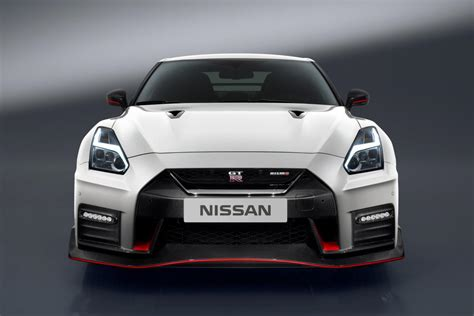 nissan supercar 2017 the 2017 nissan gt r nismo is a 600 horsepower supercar slayer
