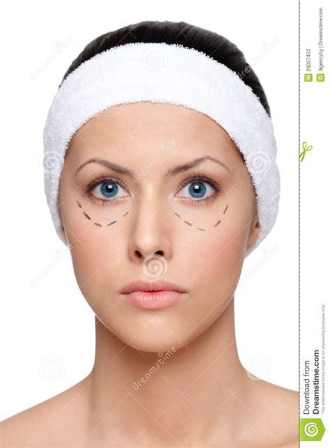 imagenes ojos abiertos la mujer acuerda hacer una cirug 237 a est 233 tica ojos abiertos