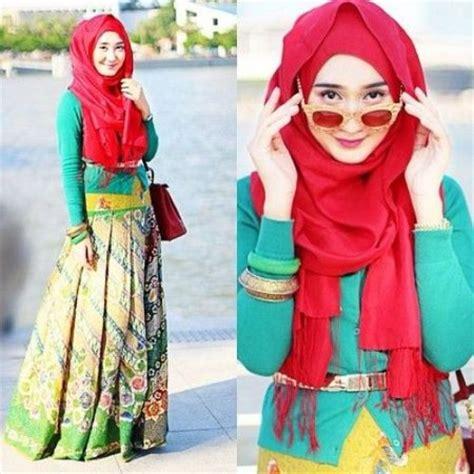 gaun batik desain dian pelangi pesona batik nusantara yang indah dan menawan untuk