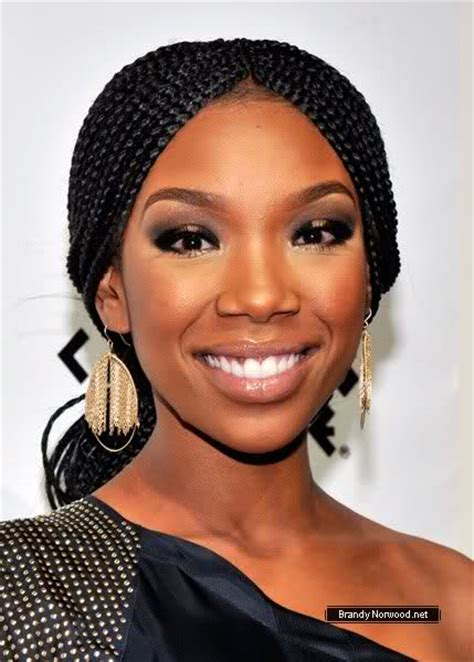 brandy singer no hair brandy debuts another new hair style no it s not a hat