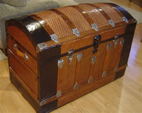 Shenandoah Restoration   Trunk Hardware, trunk restorers, restoration hardware, supplies, parts,