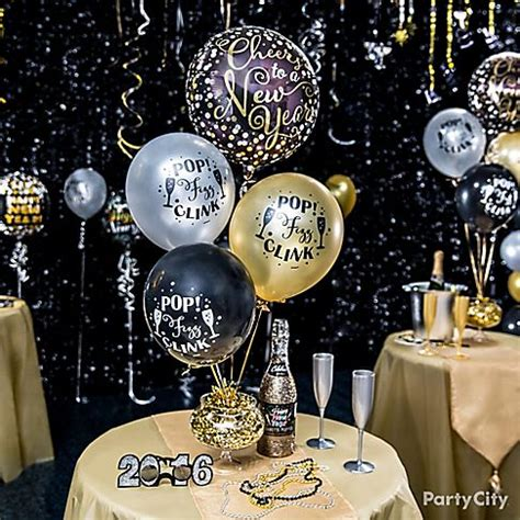 centerpieces for new year table new year s balloon ideas city