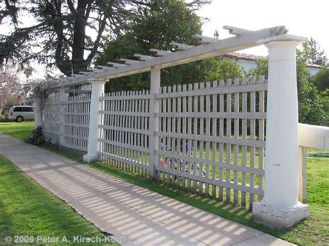 Trellis Fence Ideas Wood Fence With Lattice Fences
