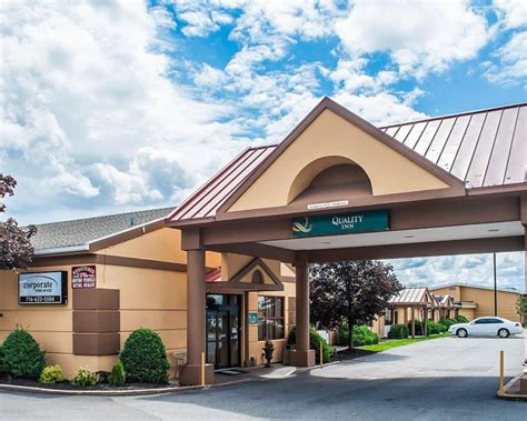 park inn hamburg airport quality inn buffalo airport ny buf airport hotel parking
