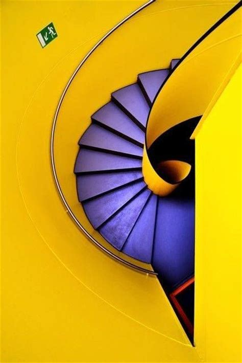 yellow complementary color escadas espetaculares complimentary colors bold colors