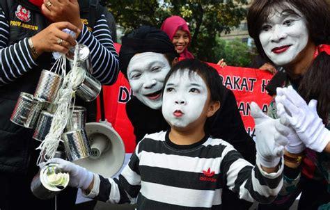 bahaya film uttaran untuk anak aksi teatrikal kanyekan bahaya susu kental manis untuk