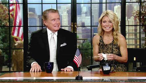 kelly ripa i havent kept in touch with regis ny daily news kelly ripa on regis philbin quot i haven t seen him no quot