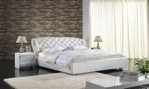 chambre a coucher luxe lit en cuir classique de chambre 224 coucher tapiss 233 par