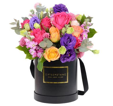 seaonal flowers in round flower box gift flower hk