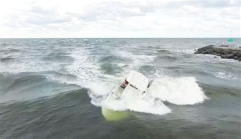 13 Year Old Surfer Rescues Man After Boat Capsizes The