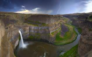 amazing places in the us palouse falls usa amazing places