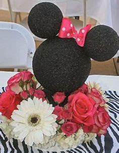 mickey and minnie mouse wedding decorations mickey minnie mouse wedding theme on disney