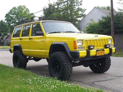 jeep cherokee yellow yellow jeep cherokee it s a jeep thing pinterest