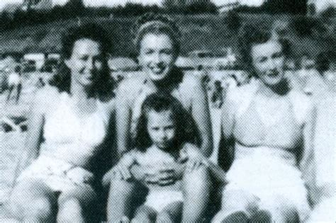 marilyn monroe s mother mona with aunt norma jean and berniece and gladys